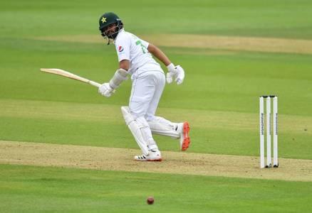 Pakistan captain Azhar falls as Anderson strikes again in second Test