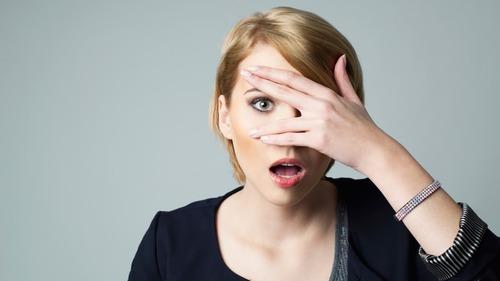 مردوں کو دیکھتے ہی خواتین کی پہلی نظر جسم کے کس حصہ پر پڑتی ہے؟