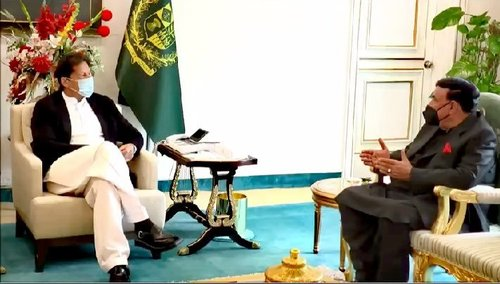 PM Imran, Interior Minister discuss political situation across the country