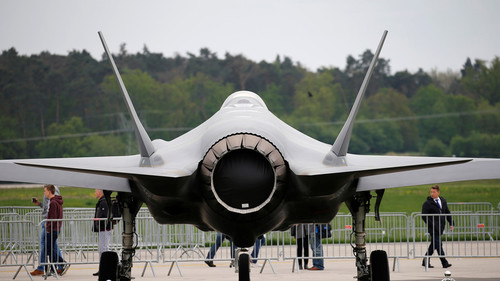 Britain signs £550 million weapons contract for F-35 jets