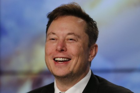 Elon Musk overtakes Amazon's Bezos to become world's richest person