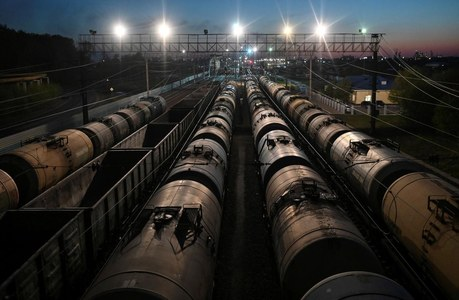 Oil prices dip on virus worries; U.S. stock draw, China data check losses