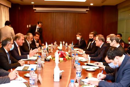 Pakistan, Azerbaijan agree to enhance cooperation in defence, trade