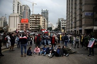 Lebanese block roads in protest