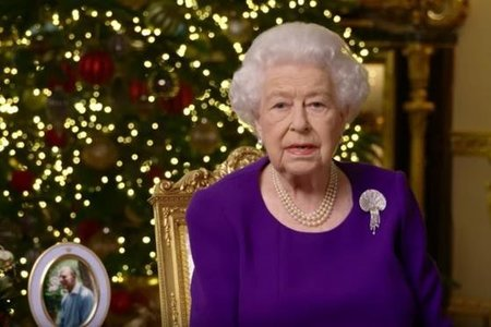 Queen vows to address Harry and Meghan racism claims