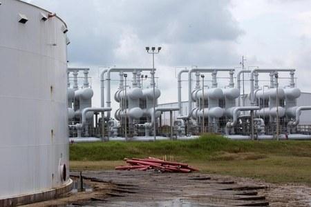 Oil falls as demand concerns trump Suez Canal disruptions