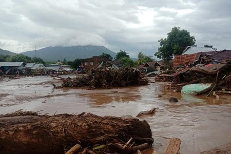 Tropical cyclone kills at least 76 in Indonesia, East Timor
