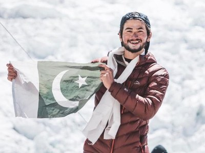 19-year-old Shehroze Kashif becomes youngest to summit K2