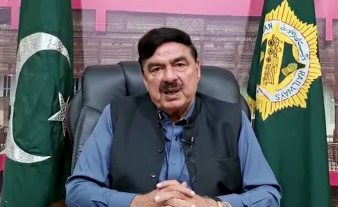 Noor's murderer can't be killed in encounter: Sheikh Rasheed