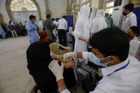 Pakistan records 67 deaths from Covid, 4745 test positive