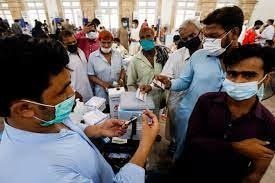 Pakistan observes slight drop in Covid cases