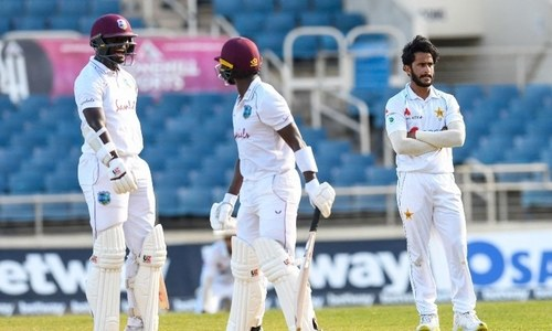 Roach steers West Indies to dramatic win over Pakistan