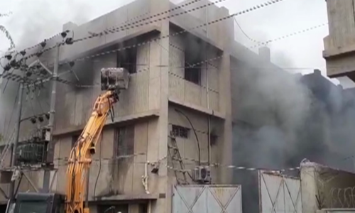 کراچی  میں کیمیکل فیکٹری میں آتشزدگی سے 14 مزدور جاں بحق