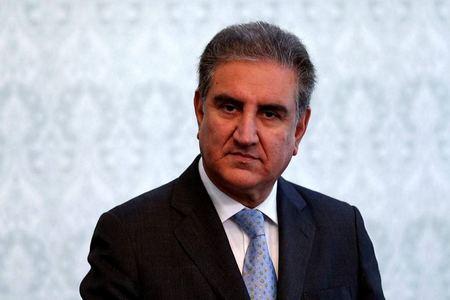 بھارت پاکستان کو نیچادکھانے کیلئے منفی حرکتیں کررہا ہے، وزیرخارجہ