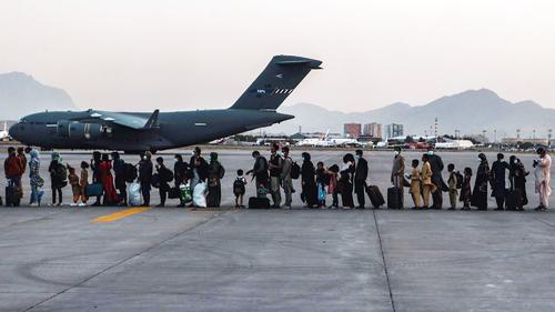 سابق امریکی فوجی کی افغان اہلیہ کے کابل سے فرار کی دلچسپ داستان