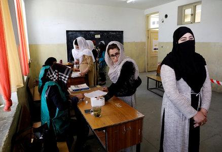 Distrust remains as some women return to work under Taliban
