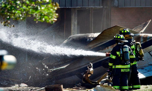 امریکی ریاست کنیکٹی کٹ میں طیارہ عمارت پر گرگیا، 4افراد ہلاک