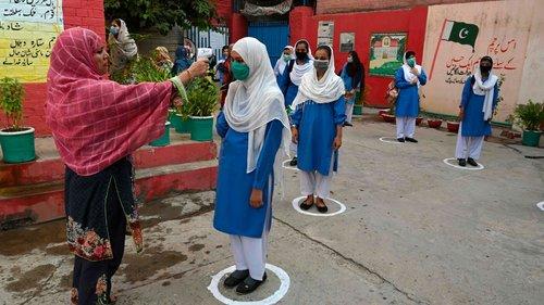 سندھ بھر کے اسکولوں میں کل سے ویکسی نیشن مہم شروع کرنے کا فیصلہ