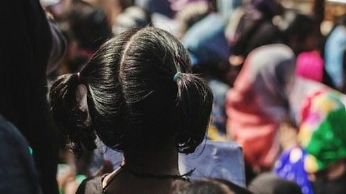 بھارت: بارش کے دیوتاؤں کی خوشی کے لیے کم عمر لڑکیوں کی برہنہ پریڈ