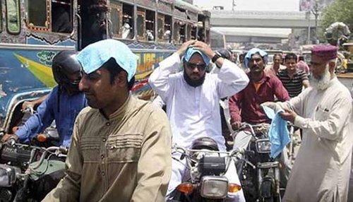 کراچی شدید گرمی کی لپیٹ میں، درجہ حرارت 40 ڈگری تک جانے کا امکان