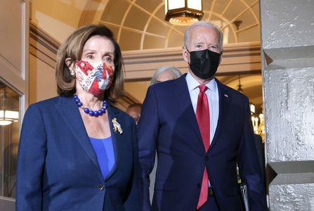 Feuding Democrats hint at compromise on Biden's embattled agenda