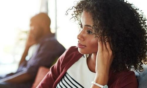 آپ کا شوہر بے وفا ہے یا نہیں؟ علامات جانئے