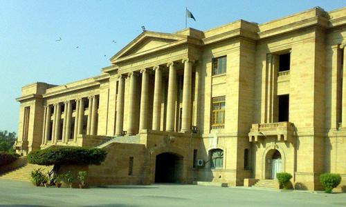 سندھ ہائیکورٹ: 2پولیس اہلکاروں کے قتل کے مجرموں کی سزا کیخلاف اپیل منظور