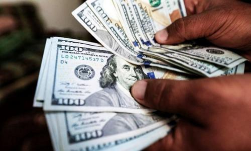 ڈالر ایک سو باہتر روپے ستتر پیسے کی بلند ترین سطح پر بند