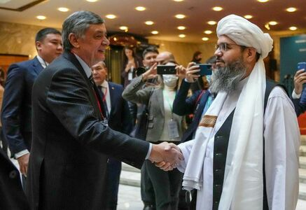 Russia urges international aid for Afghanistan at talks with Taliban