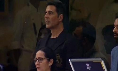 پاکستان کی تاریخی فتح، اسٹیڈیم میں موجود اکشے کے ہوش اڑ گئے، میمز وائرل
