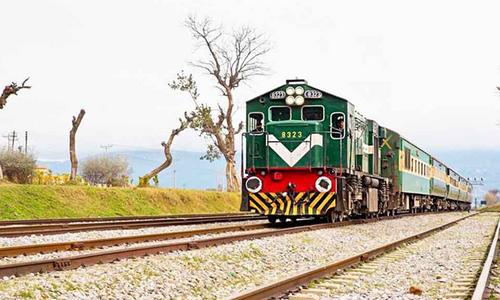 مسافر اور فریٹ ٹرینوں کے کرایوں میں اضافہ