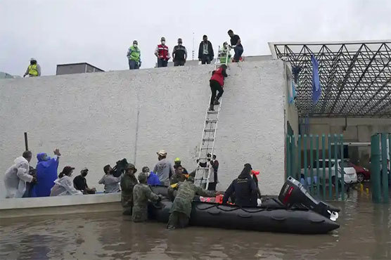 At least 17 patients die after floods hit Mexican hospital
