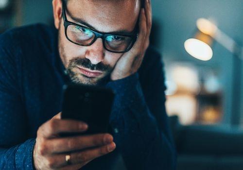 سست رفتار آئی فون سے ہیں پریشان؟ جانئے سپیڈ بڑھانے کا آسان طریقہ