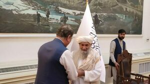 FM Qureshi assures Afghanistan's interim PM of Pakistan's humanitarian assistance