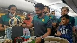 PIA celebrates Babar Azam's birthday in-flight