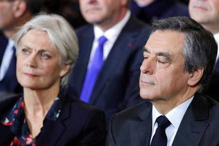 سابق فرانسیسی وزیراعظم اور اہلیہ کو 5 سال قید اور بھاری جُرمانہ