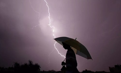 Climate change 'fuelling deadly India lightning strikes'