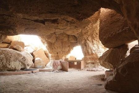 ان کہی داستانیں سنانے والا کا جبل القارہ