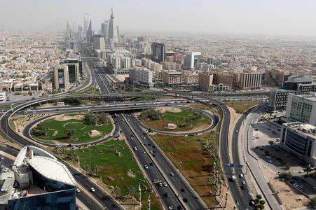 Despite downturn, Saudi Arabia pursues goal of doubling size of capital city