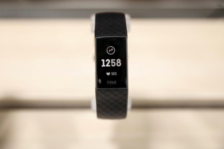 Could your Fitbit or Apple Watch detect early COVID-19 symptoms?