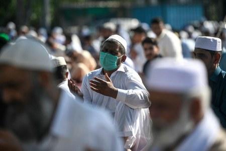 پاکستان میں کورونا کے فعال مریضوں کی تعداد گھٹ کر 35 ہزار تک رہ گئی