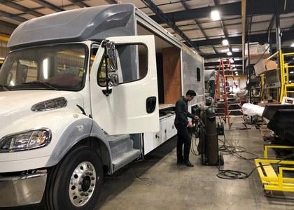 Motor vehicles power U.S. factory orders in June