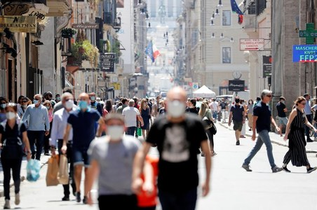 Italian service activity picks up in July after lockdown: PMI