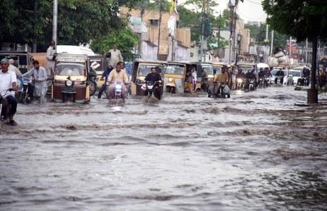 کراچی: مختلف علاقوں میں تیز بارش، کئی فیڈرز ٹرپ کرگئے