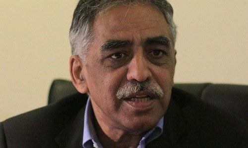 چوہان بیرون ملک ہوتے تو فارغ ہوجاتے، محمد زبیر