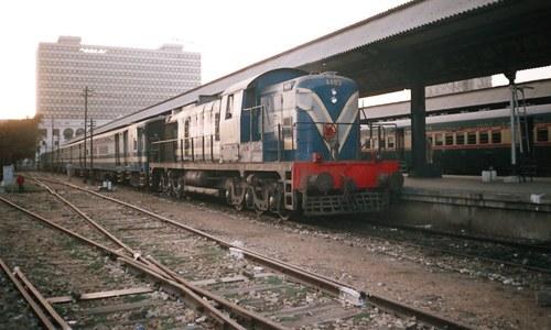 کراچی سرکلر ریلوے کی بحالی میں تمام روکاٹیں فوری ختم کرنے کا حکم