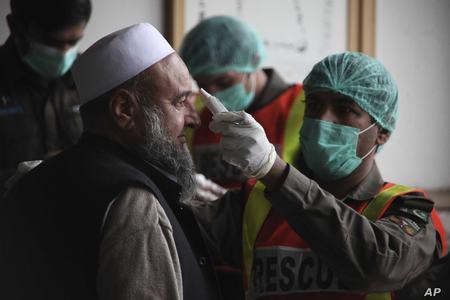 Pakistan's Coronavirus cases exceed 3 lac