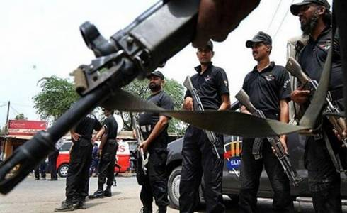 Five dacoits killed in gunbattle with police in Karachi's Defence Phase IV