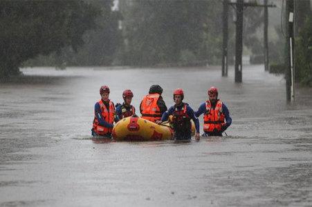 Fresh deluge worsens 'one in 100 year' Australia floods