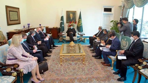 Pakistan committed to early start of North-South gas pipeline project: PM Imran
